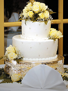 Wedding Cake from weddings.theknot.com